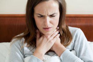 10-alimentos-para-comer-cuando-se-tiene-un-dolor-de-garganta1-500x334