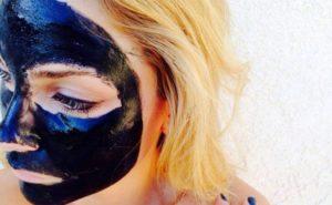 mascara-preta