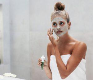 1514460185_mascara-facial