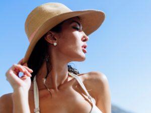 11-02-tratamentos-contra-manchas-pele-sol